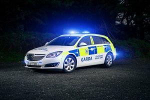 garda_car_gallops_opt